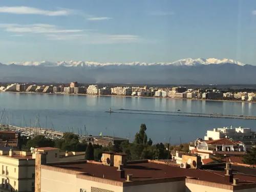 Baie de Roses et Pyrénées vue de l'appartement